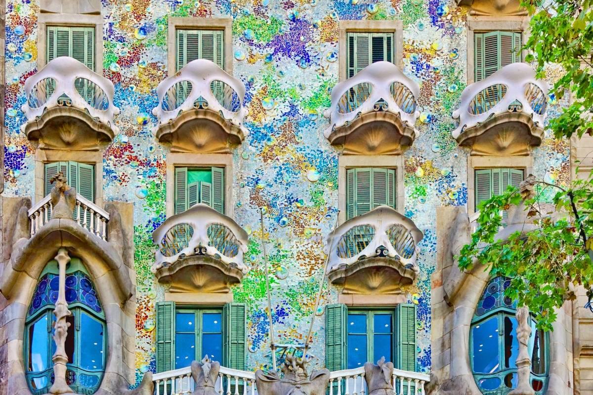 SANDEMANs NEW Barcelona Tours Gaudí & Modernism Tour