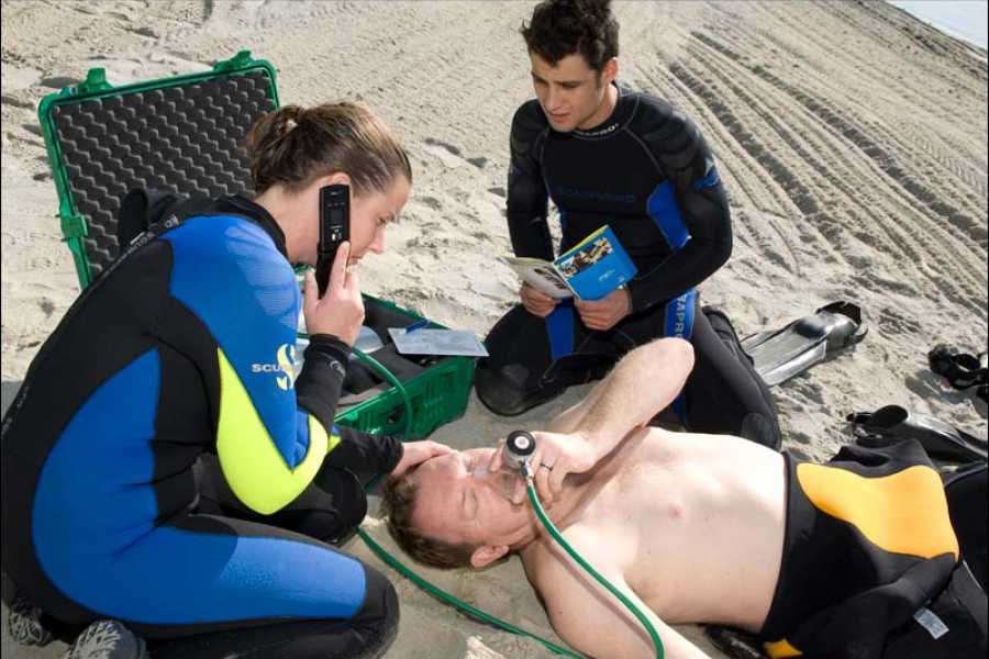 Blue Bay Dive & Watersports PADI Rescue Kurs