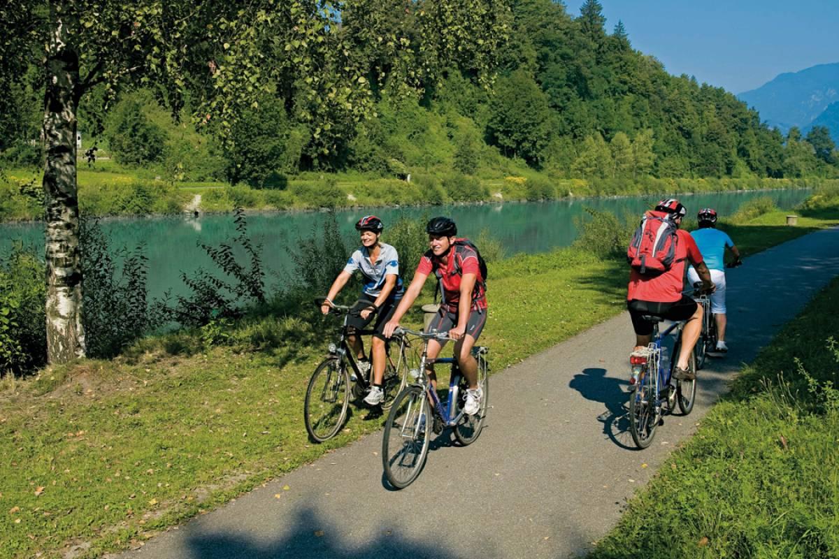 Alps2Adria Touristik OG Transfer von Triest nach Villach