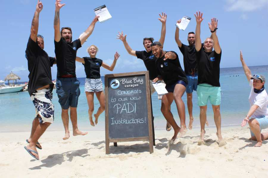 Blue Bay Dive & Watersports PADI Instructor Development Kurs