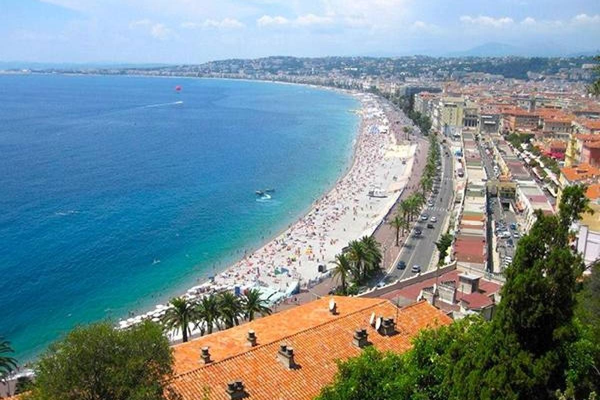 Bus2Alps AG Florence 2 The French Riviera
