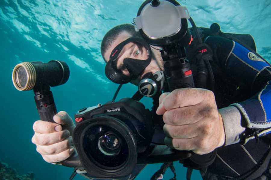 Blue Bay Dive & Watersports PADI UNDERWATER VIDEOGRAPHER SPECIALITY