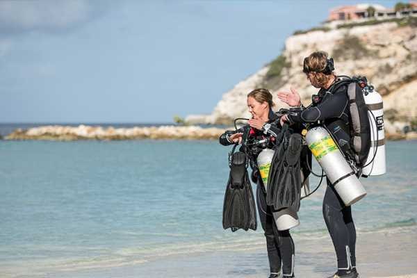 Blue Bay Dive & Watersports PADI/DSAT Tec 45