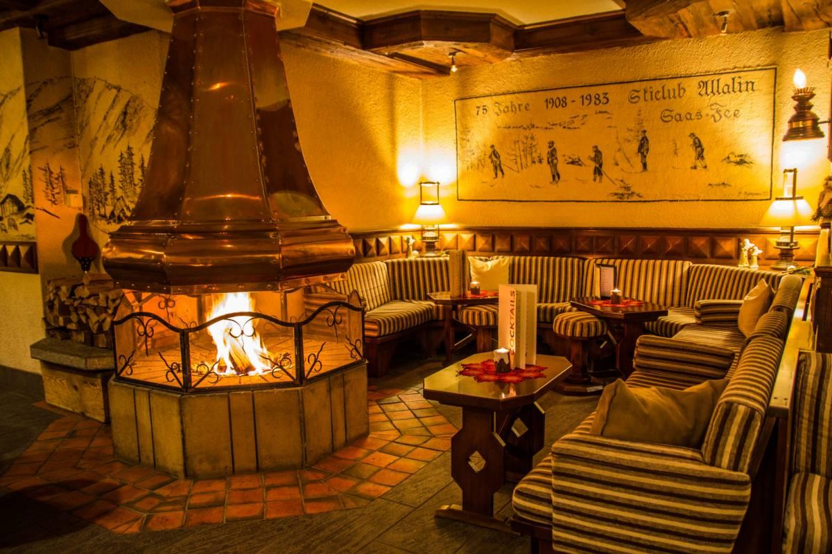 Saas-Fee Guides Mountaineering Academy - Package Hotel Saaserhof