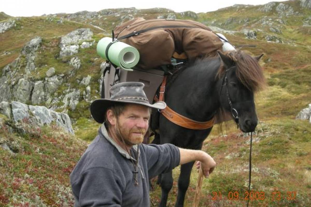 Åkrafjorden Oppleving AS På vandring med Trygve Øvstebø