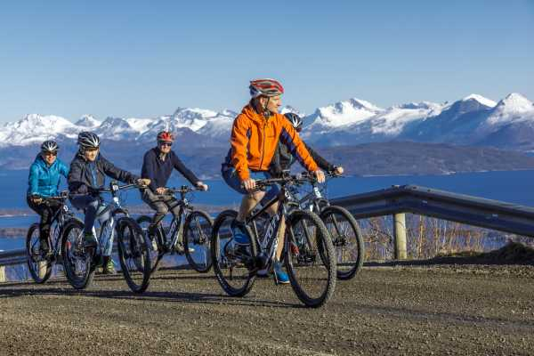 Molde Adventure Center Rent e-bike in Molde
