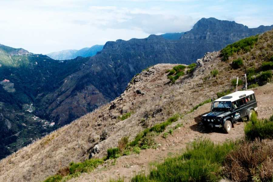 Nature Meetings Madeira Range Rover VIP Tour - Romantic Expedition