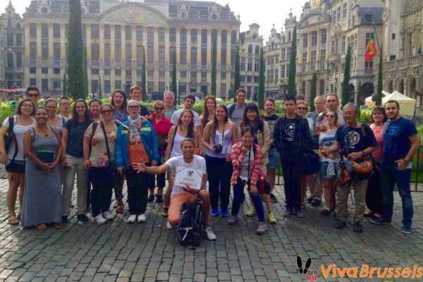 - Sombrilla Naranja - Viva Brussels: Barrio del Sablon