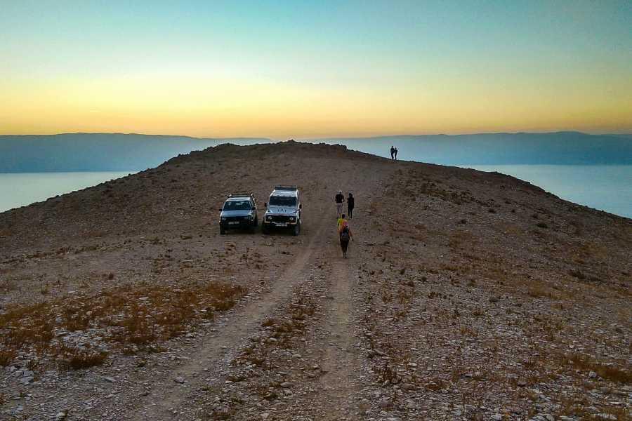 Siraj Center 6 October 2017. Desert Full Moon Walk