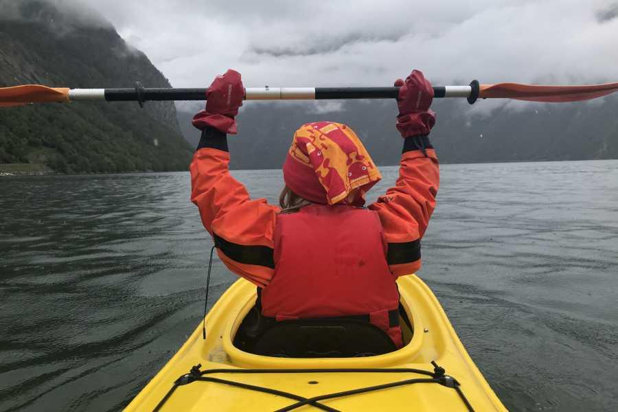 Bulder & Brak Opplevingar AS Family trip in duo kayaks