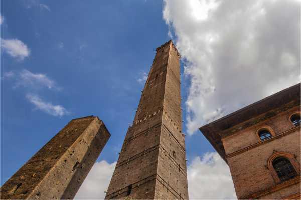 Le due Torri - Prenotazione salita alla Torre degli Asinelli