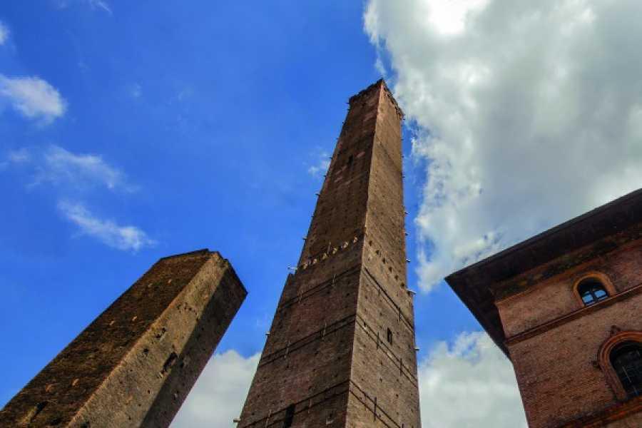 Bologna Welcome Le Due Torri – Torre degli Asinelli