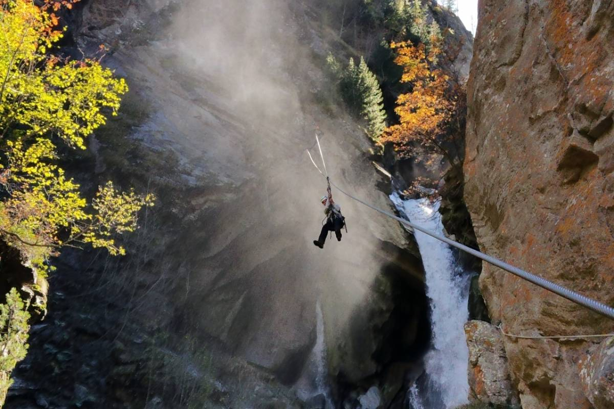 Saas-Fee Guides Gorge Alpine: Saas valley fairy tale week family special