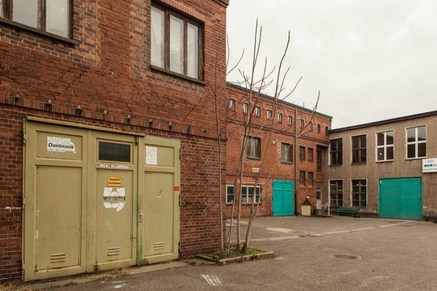 Explorabilia Berlin Art Studio Visit - Robin Resch