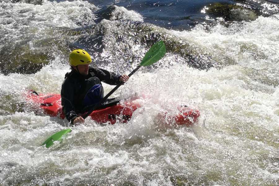 Mad Goats AS Foundation course in river kayaking