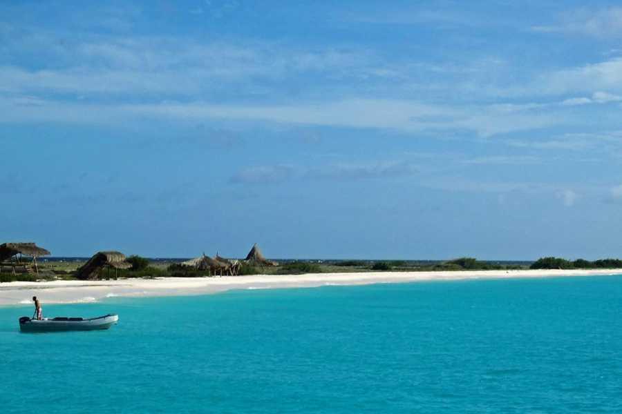 Breeze Boattrips Klein Curacao (Pequeña Curacao)