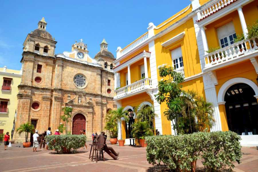 Backpackers City tour on chiva - Cartagena