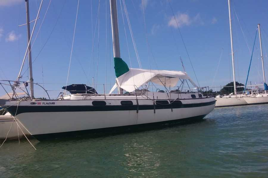 Cacique Cruiser CHARTER SAILBOAT - Suyan