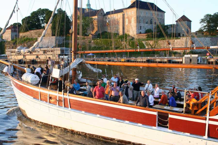 Norway Yacht Charter AS & Båtservice Sightseeing AS FJORD SIGHTSEEING for 2 hours.