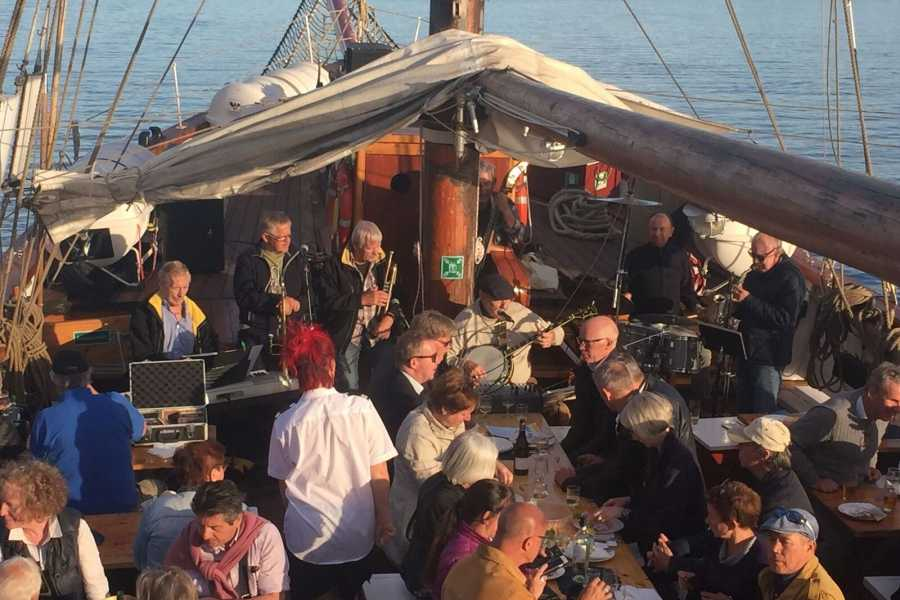 Norway Yacht Charter AS & Båtservice Sightseeing AS JAZZ CRUISE