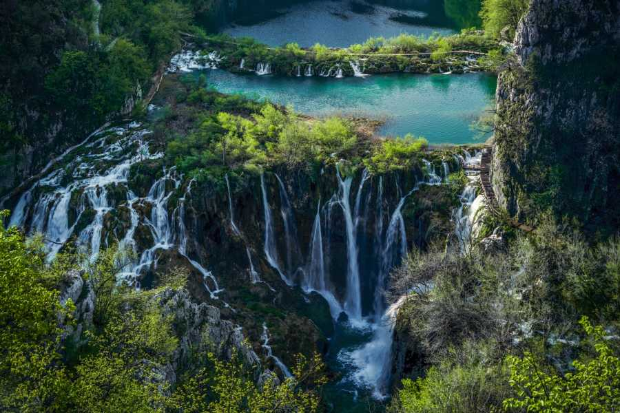 Degenija Tours Split - Plitvice Lakes Private Transfer