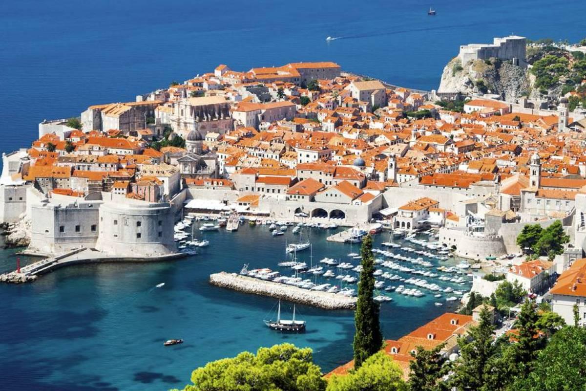 Degenija Tours Plitvice Lakes - Dubrovnik Private Transfer