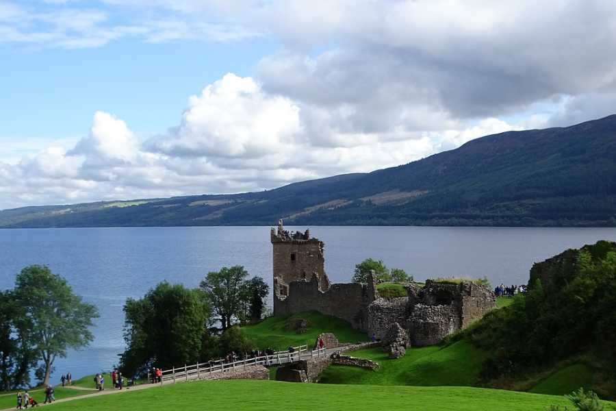 Places to Love Loch Ness & Le Highlands - Guida in italiano -