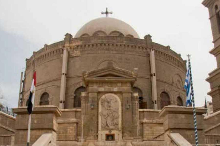 EMO TOURS EGYPT 旧カイロへの日帰りツアーはベンエズラシナゴーグを訪問