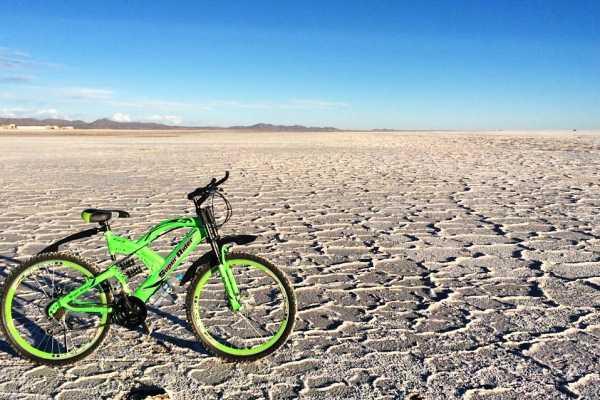 Late Bolivia CLASSIC TOUR: SALAR DE UYUNI, DESERTS AND COLORED LAGOONS
