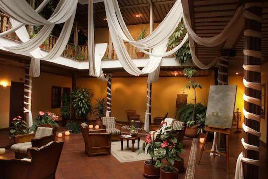 Viajando por Ecuador HOTEL CARVALO CUENCA