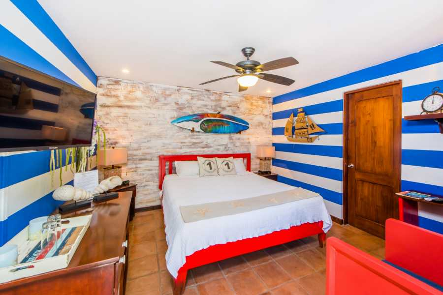 Kelly's Costa Rica Nautical Room