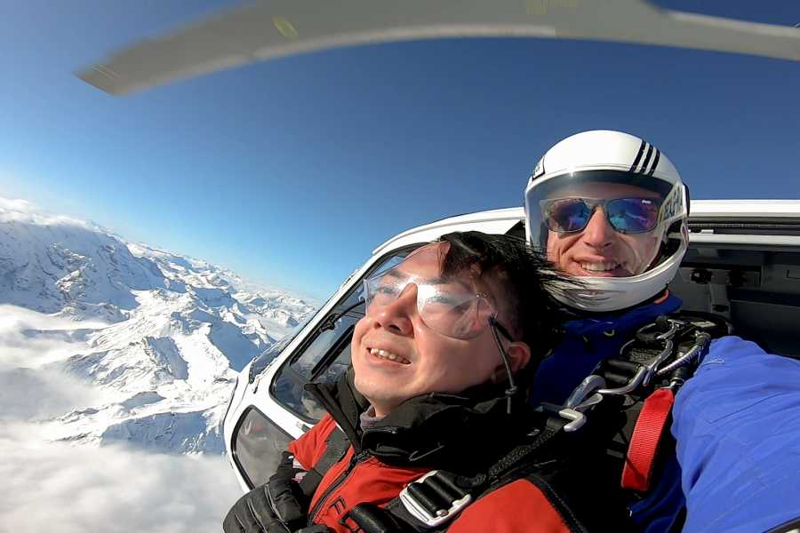 Skydive Switzerland GmbH Heli Skydiving