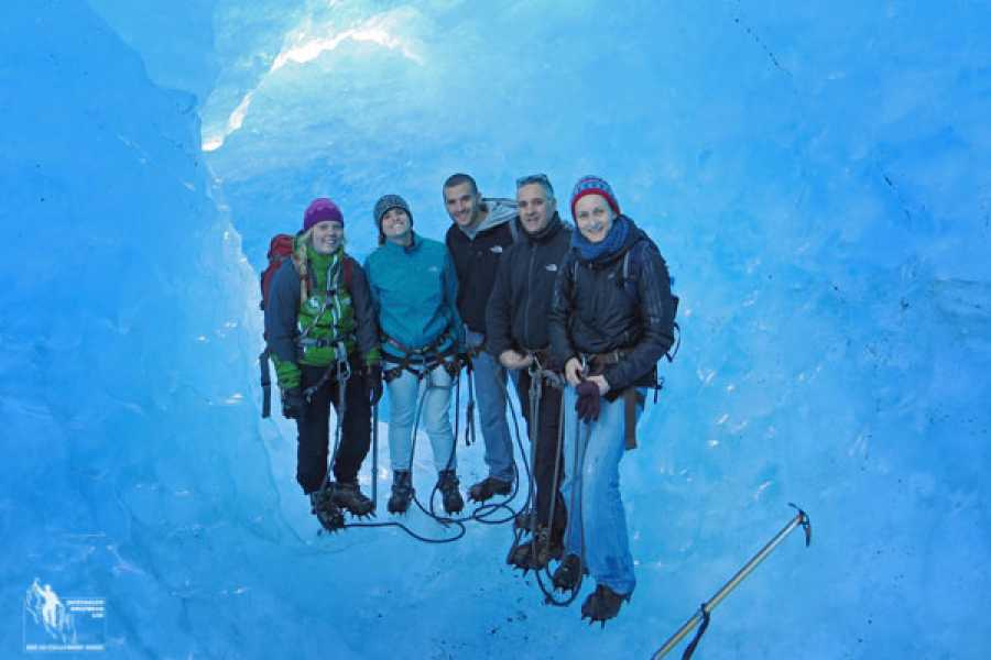 Jostedalen Breførarlag Early Bird - Deluxe  Blue Ice hike