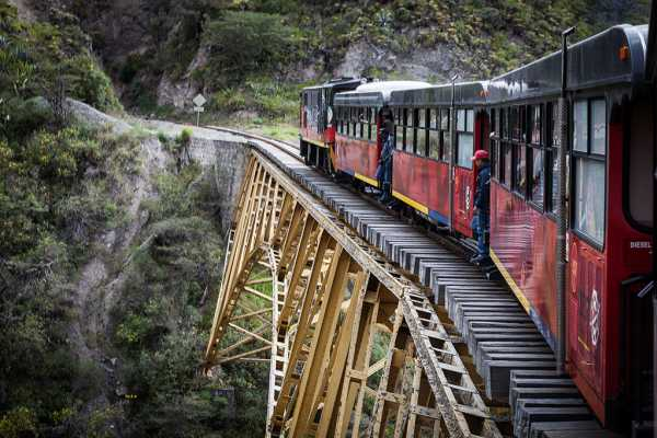 """Tren de la Libertad I"" from Quito - Northern Andes"