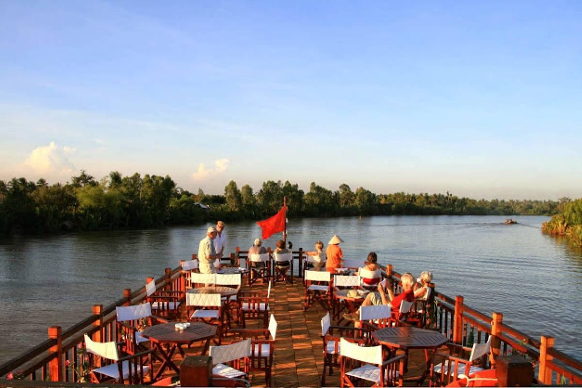 Viet Ventures Co., Ltd Tour Mekong - 2 ngày 1 đêm - ngủ đêm trên tàu Mekong Eyes