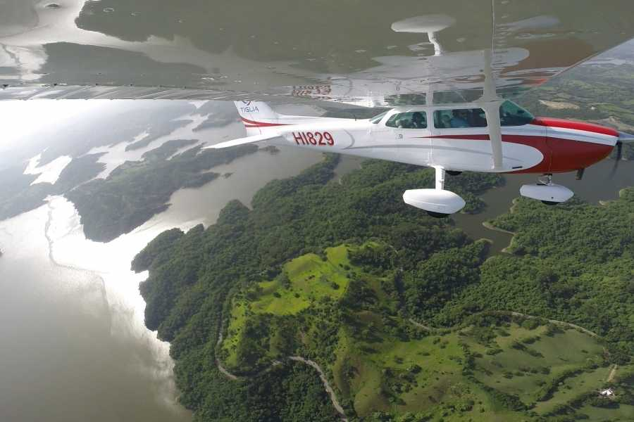 Tigua Aerotours S.R.L. Route 2 - Sight Seen Flight over Moca City - Tavera Dam - Santiago City