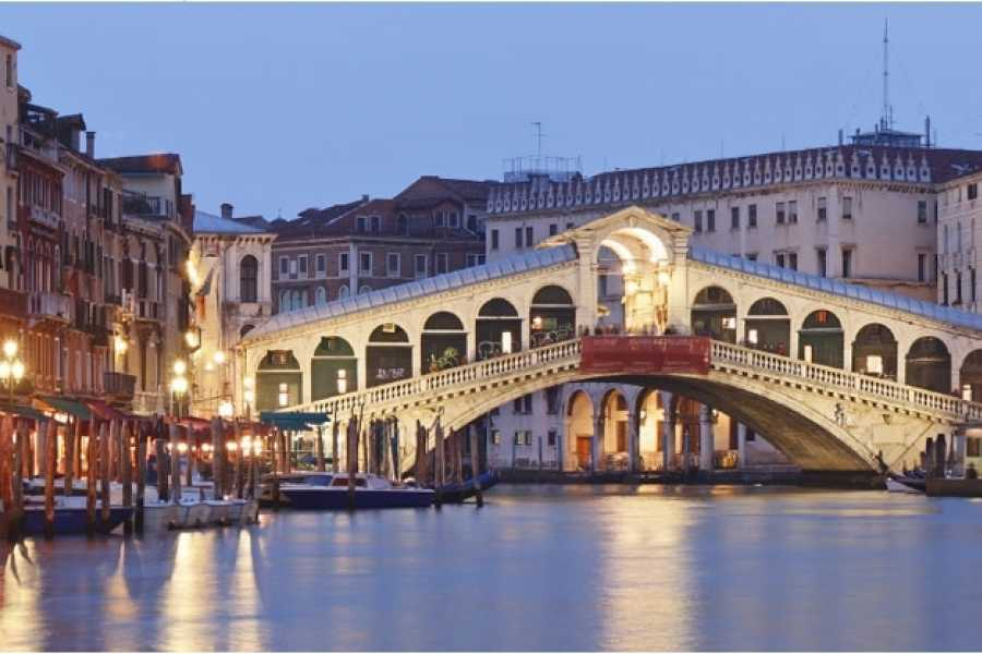 Italy on a Budget tours VENICE CARNIVAL  - 4 days/3 nights