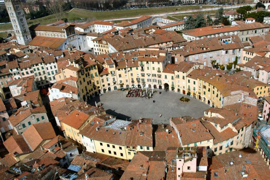 ACCORD Italy Smart Tours & Experiences LUCCA & PISA - GROUP TOUR BY BUS