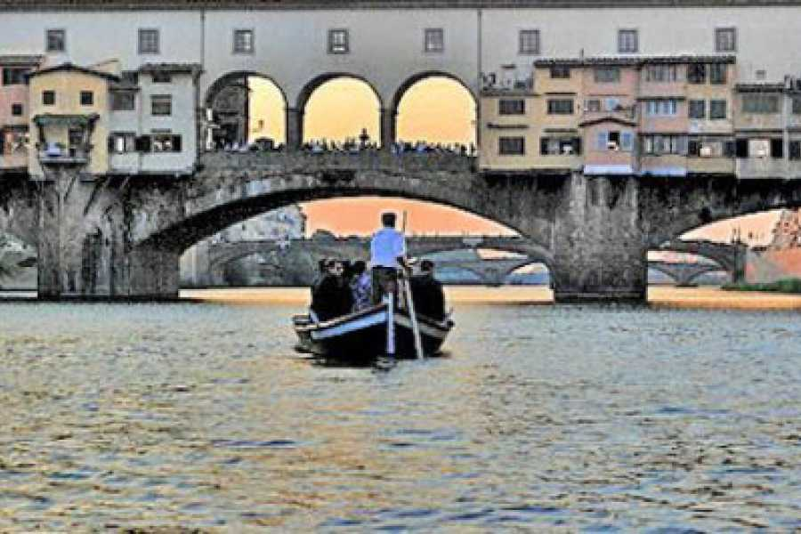 ACCORD Italy Smart Tours & Experiences TOUR A FIRENZE A PIEDI & IN BARCA - TOUR DI GRUPPO