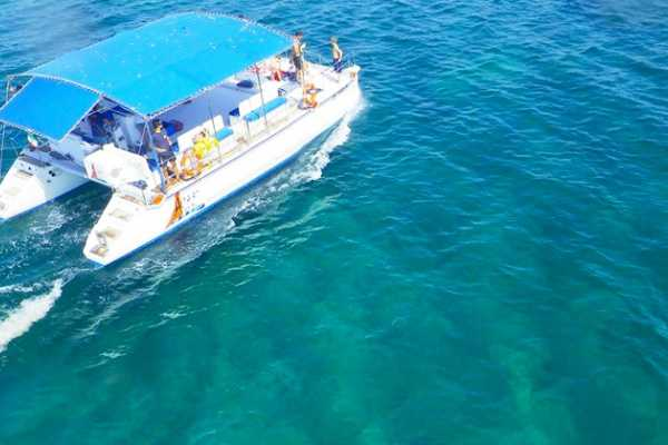 Destination Apulia Catamaran excursions from Porto Cesareo