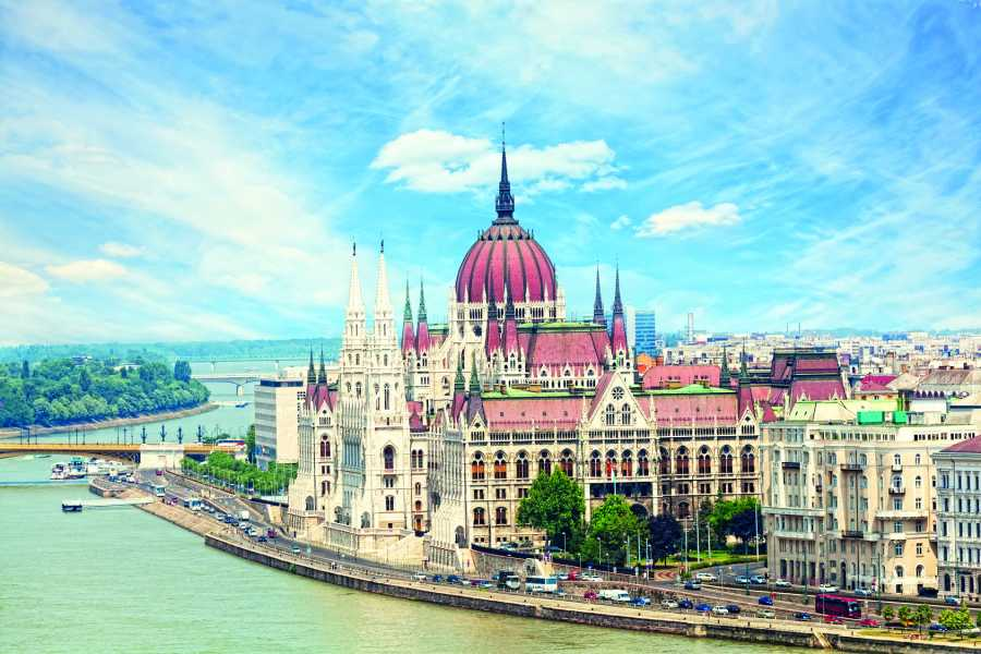 Vienna Explorer - Tours and Day Trips Private Tour to Budapest