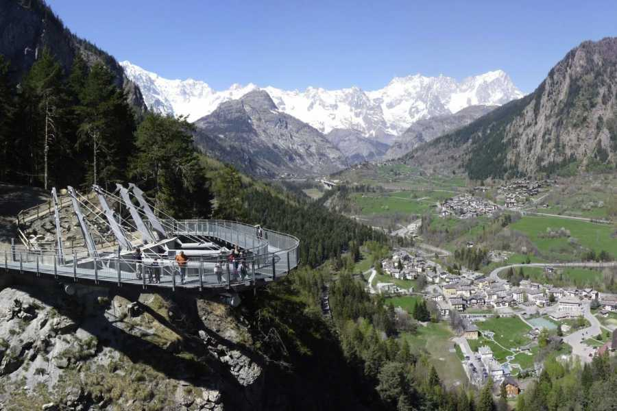 Rafting.it Pré-Saint-Didier's Orrido Skywalk