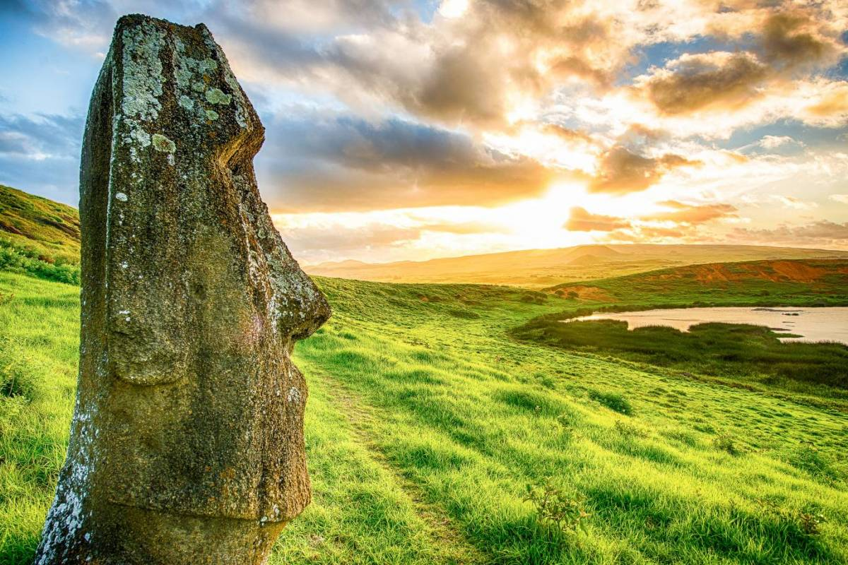 Green Island Tours - Easter Island Small Group Tour Combination Deal