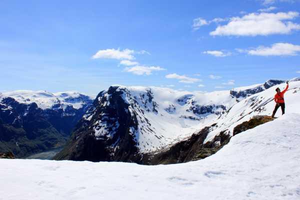 Vårsnøfest 2018: Guida skitur til Breiskrednosi