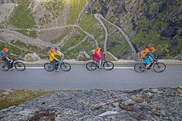 El-sykkel opp Trollstigen