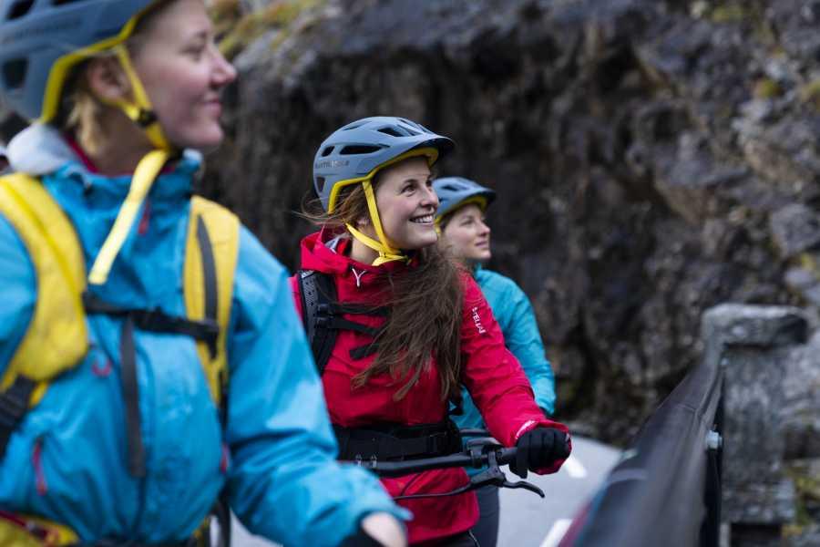 Hotel Aak El-sykkel opp Trollstigen
