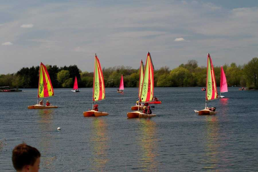 South Cerney Outdoor Pay & Play Fun-Boat