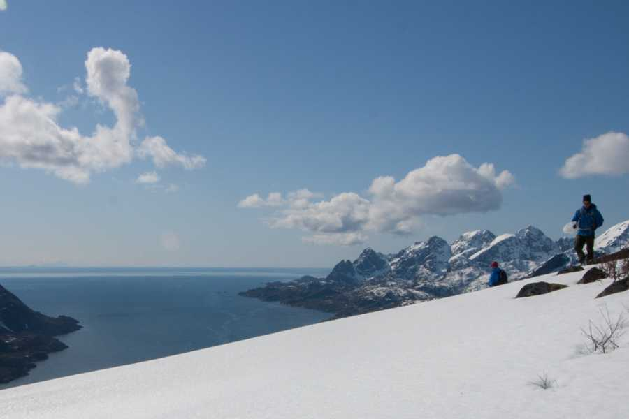 Lofoten Aktiv AS Snowshoeing mountaintop hike