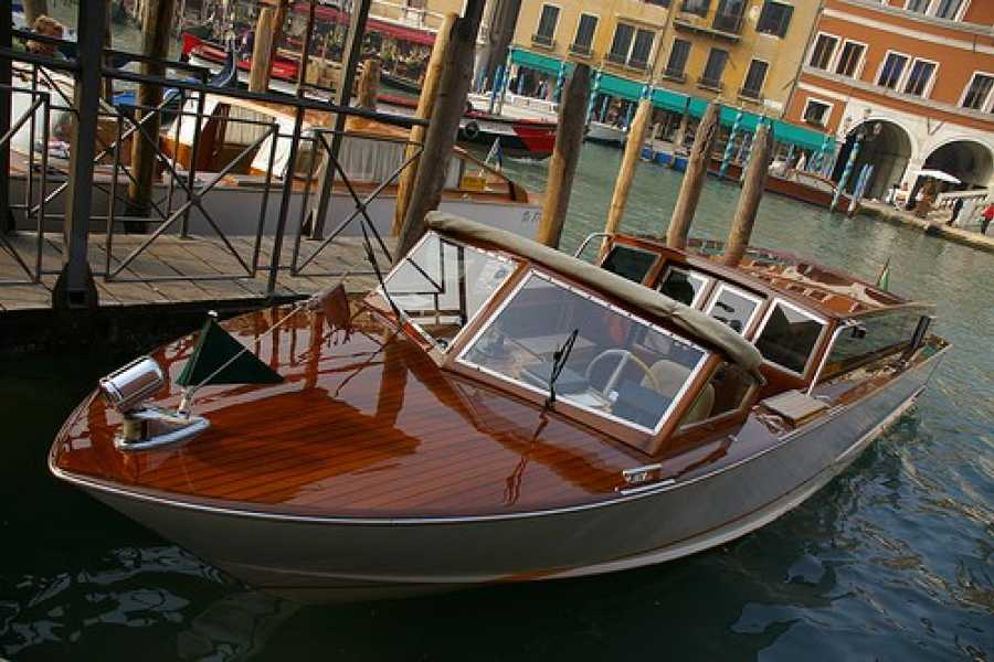 Venice Tours srl Private transfer - From the airport to Venice downtown