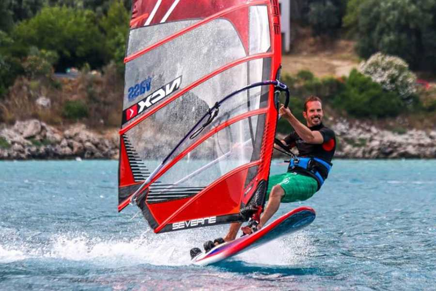 South Cerney Outdoor Intermediate Windsurfing - RYA Adult Windsurf Courses